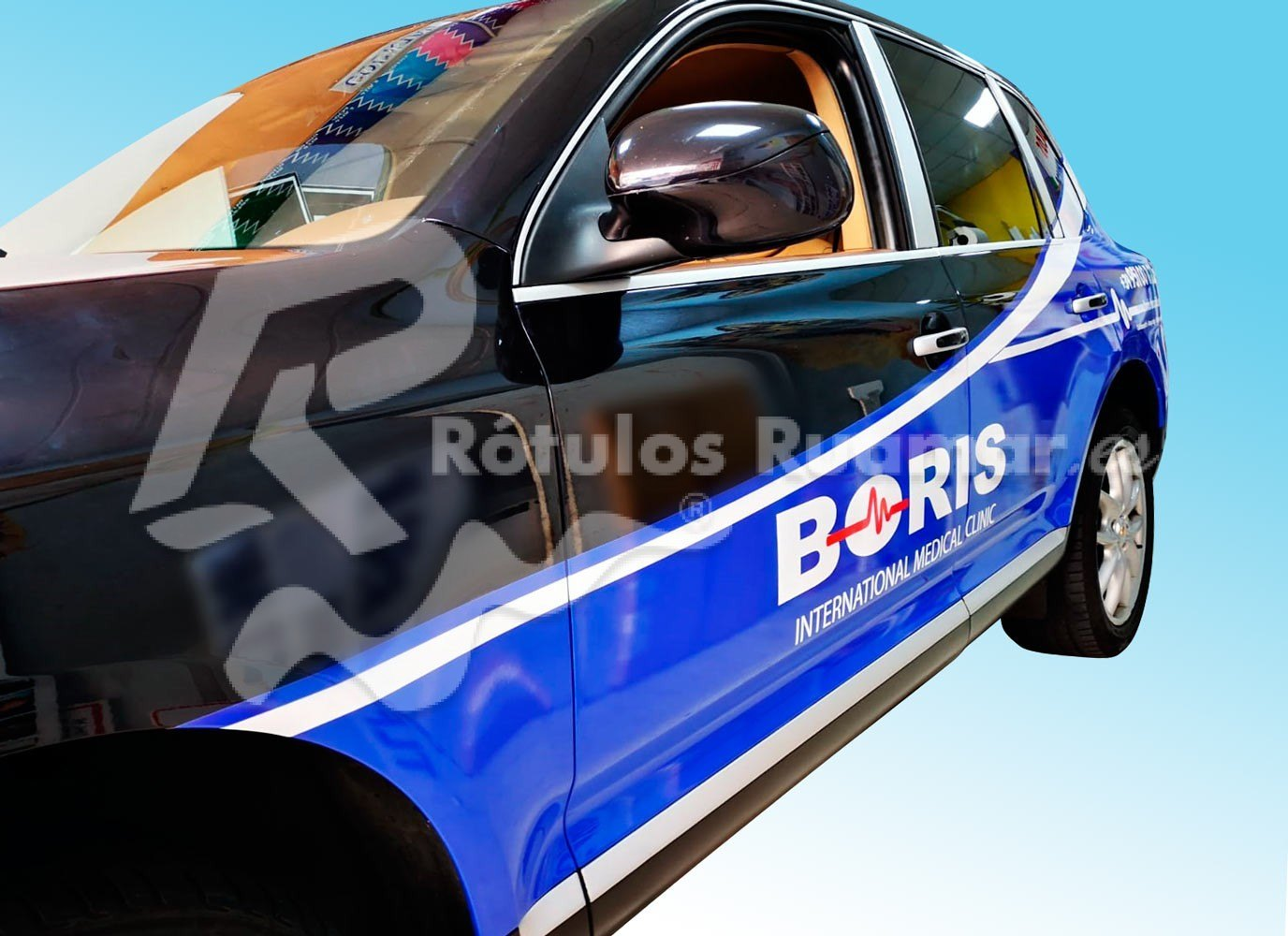 Rotulación de vehículo para Clínica Boris